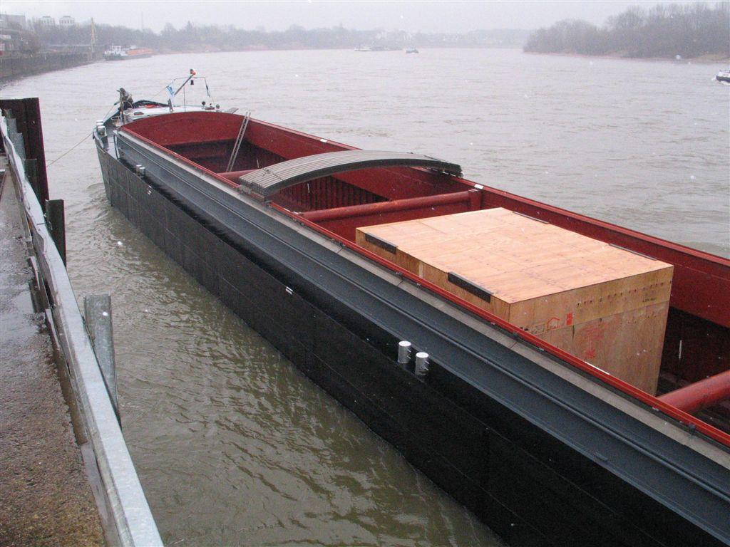 Barco por rio