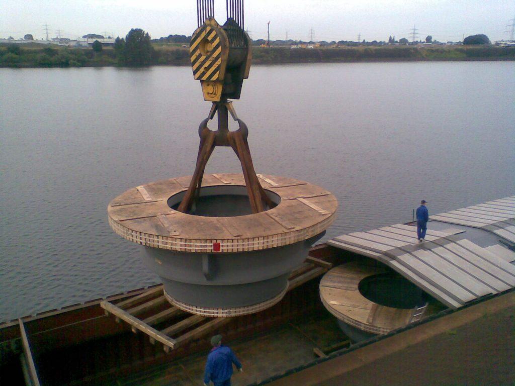 Carga de barco fluvial